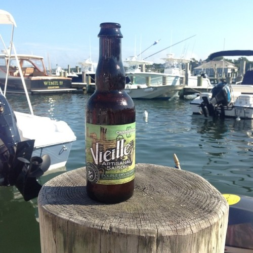 Double Dry Hopped Vielle makes it all the way to Martha's Vineyard. @crookedstave #travelingbeer  #drinkandspoon #beer #beerporn #instabeer #craftbeer