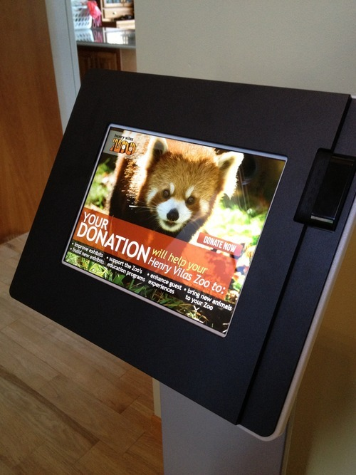 CardFlight helps power donations at the Henry Vilas Zoo