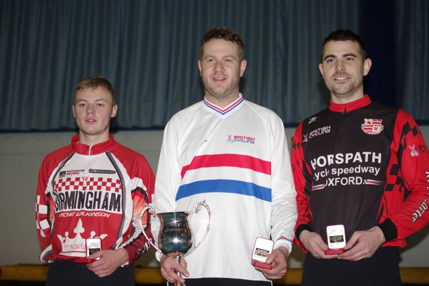 2015 British Indoor Open Champion Mark Boaler with runner up Lewis Osbourne (right) and third placed Ricki Johnson (left).
