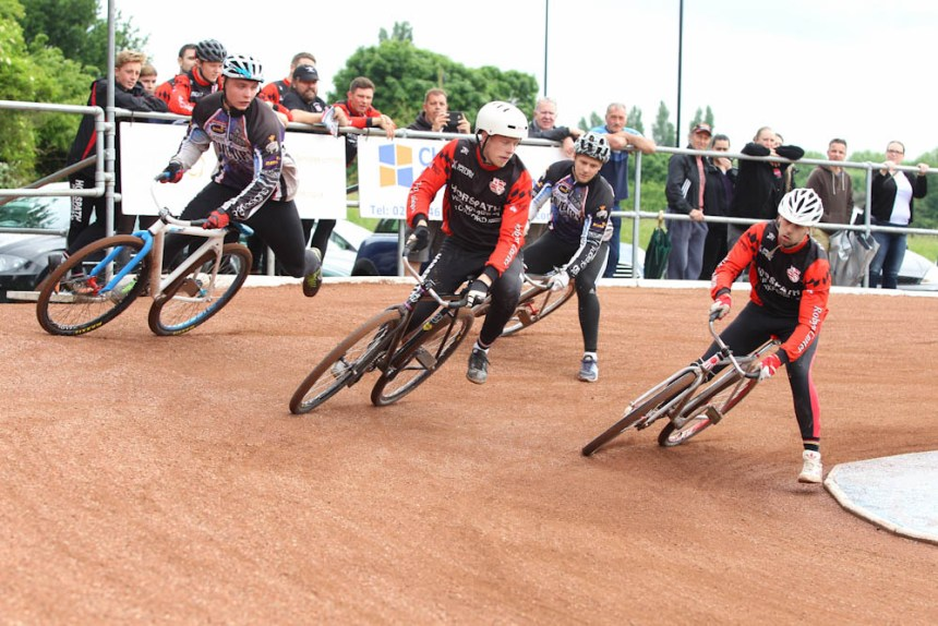 Action from Coventry v Horspath. Photo by Paul Devine.