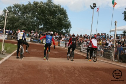 A big crowd enjoyed the racing from Poole. Photo by Graham Robins.