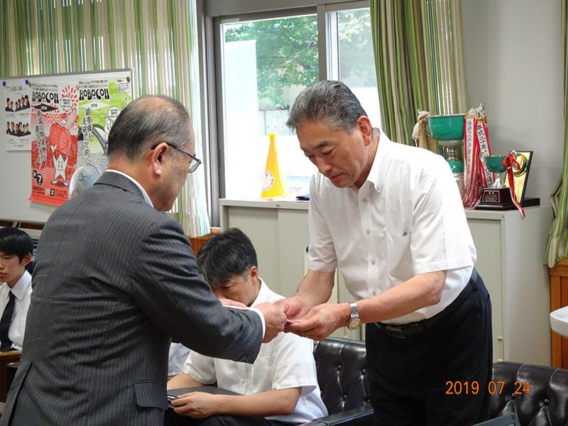「次世代の工業界の担い手育成に」松本工業高等学校に工具贈呈