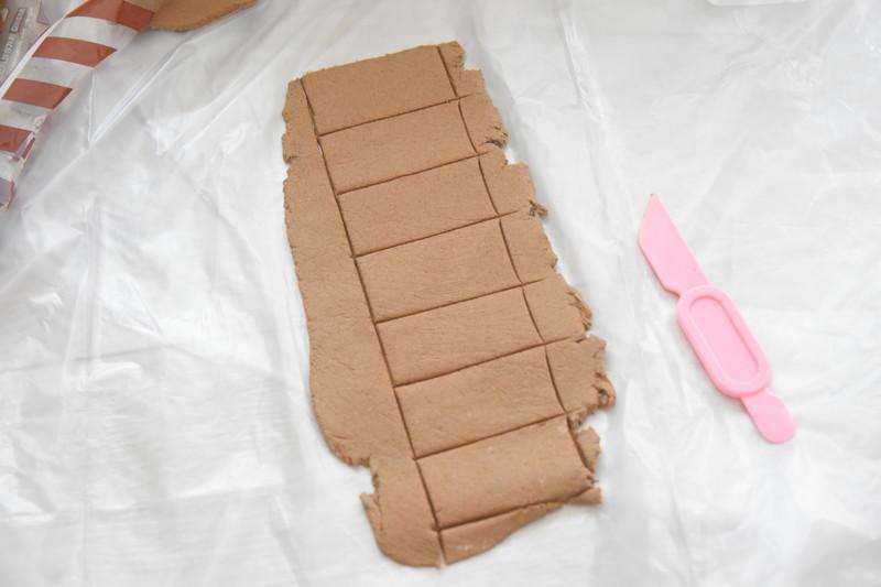 犬スロープを手作り!ダンボールと粘土でDIYする方法。