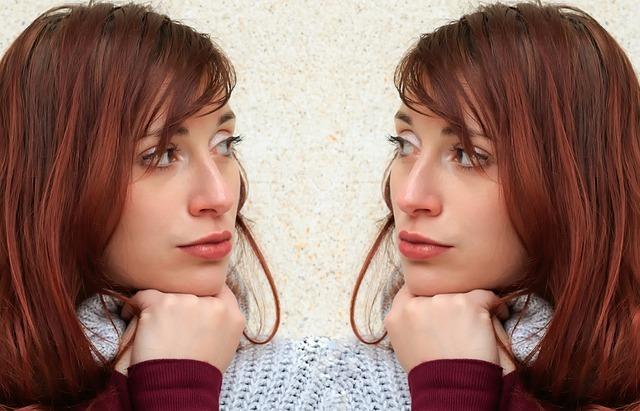mulher espelhada
