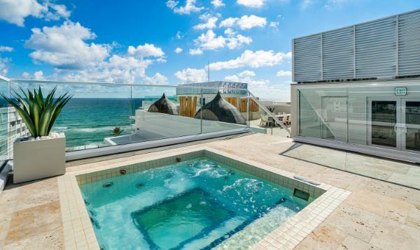 Spa Jacuzzi at 3550 South Ocean Condominiums