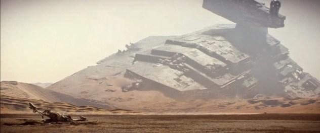 Star Wars VII-Force Awakens-Teaser 2-Star Destroyer Jakku