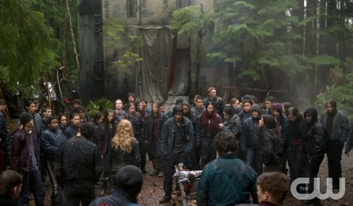 "The 100 -- ""We Are Grounders - Part II"" -- Image: HU113a_0136 -- Pictured: Dropship camp -- Photo: Cate Cameron/The CW -- © 2014 The CW Network, LLC. All Rights Reserved"