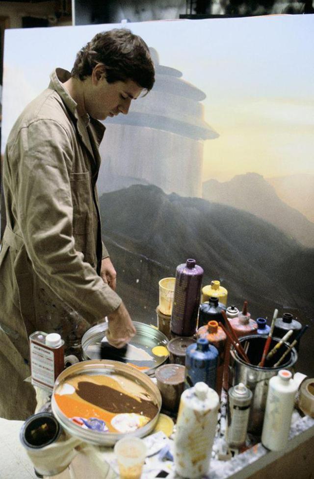 Chris Evans, matte painter de la primera trilogía de 'Star Wars', pintando el universo de la saga previamente a la era del CGI