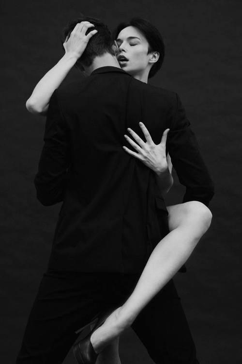 cuoredicartablog:  Due pensieri complicinon hanno bisogno di un lettoper fare l'amore…jtm-Je t'aime encore-FB