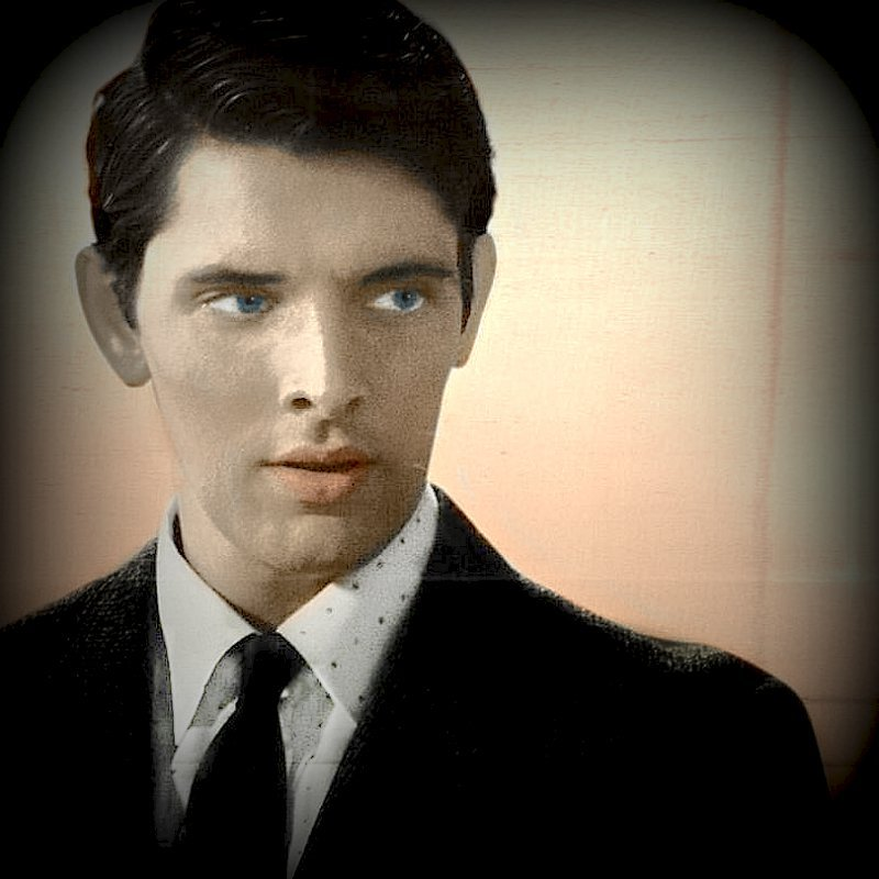 coolcathaloreaganfan: Colin Morgan as Frankie Shea, legend. In cinemas Septbember 9th.