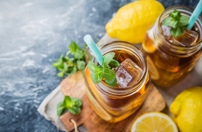 Ice-Tea-Spritzer-Recipe-For-Healthier-Skin-Bellevue-Washington