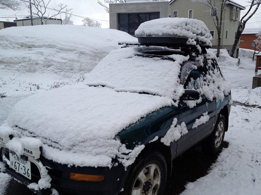 Fresh snow on the car, 10 April 2013