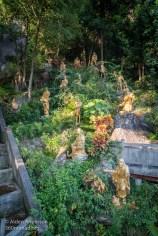 More golden Buddhist statues