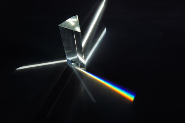 From white light to a rainbow