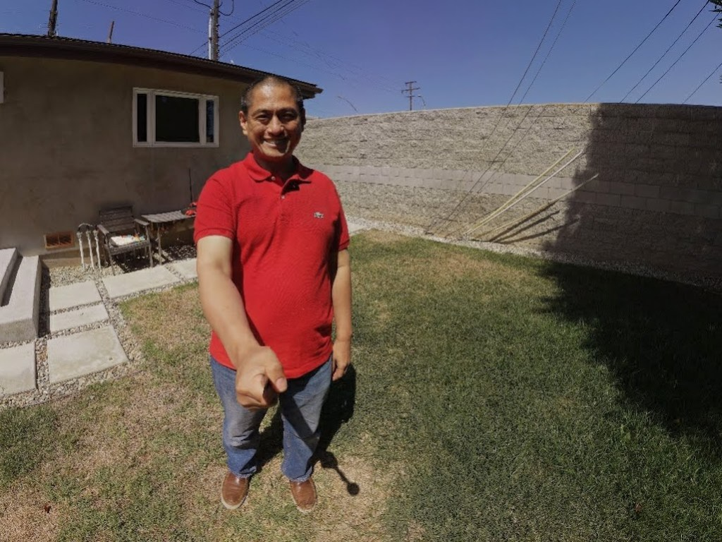 External battery doubles as a selfie stick (selfie stitched on XPhase app)