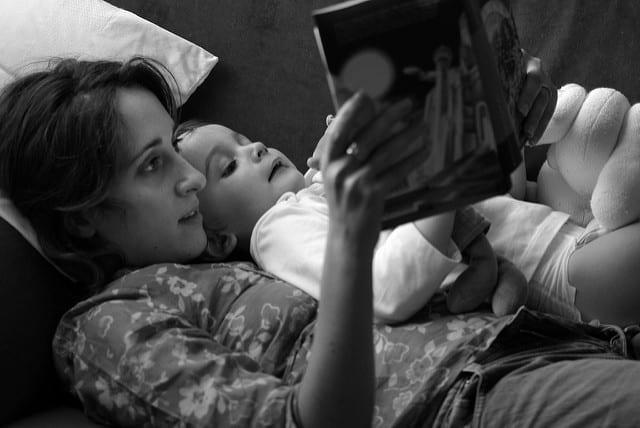 lire des histoires, pourquoi je lis des histoires à mes enfants, lire des histoires, livre du soir