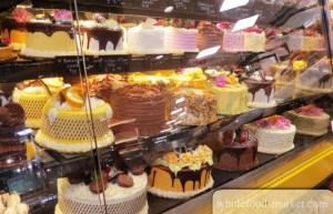 10 Delicious And Gorgeous Birthday Cakes In Atlanta