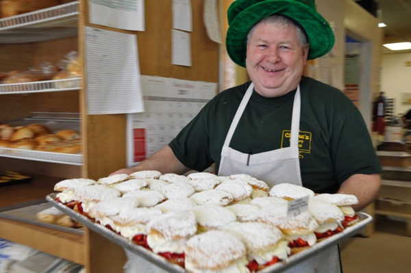 Making Paczkis for Fat Tuesday at Clarke's Deli and Bakery in Barrington