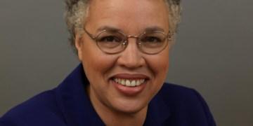 Cook County Board President, Toni Preckwinkle Visits Barrington