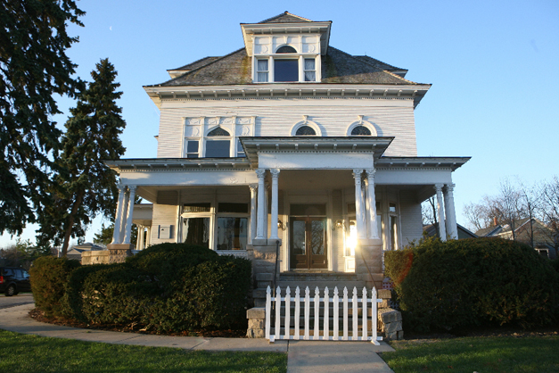 Barrington's White House - Photographed by Susan McConnell