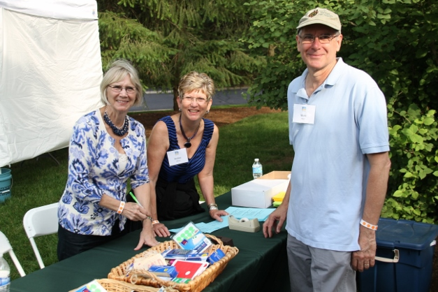Over 400 volunteers make the Garden Faire a success each year - Photo courtesy of Laura Scoville Ekstrom