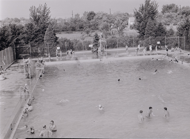 The Barrington Park Pool in the Late 40's - From the Shales Collection