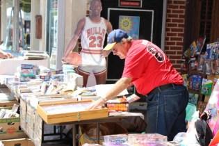 Post - Sidewalk Sale Days 2015 - Photo by Gus Goetze-97
