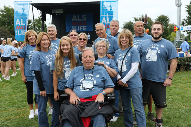 Jeff's Juggernauts in the 2015 ALS Walk for Life 2015 - Photos by Bob & Anne Lee