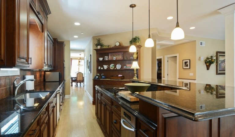 Friday Featured Home:  FIVE Things to LOVE about 559 S. Summit Street, FOR SALE in the Village of Barrington