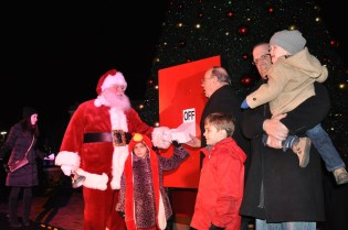 Post 900 - Deer Park Town Center Santa Arrival Tree Lighting 2015-34