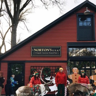 noondaily-cassie-barron-live-reindeer-at-nortons-usa-1