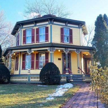 NoonDaily - Barrington Octagon House - The American Home