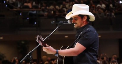 365 - Brad Paisley Performs Barrington High School Graduation - -3