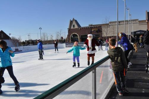 Arboretum of South Barrington - Skate with Santa - 6