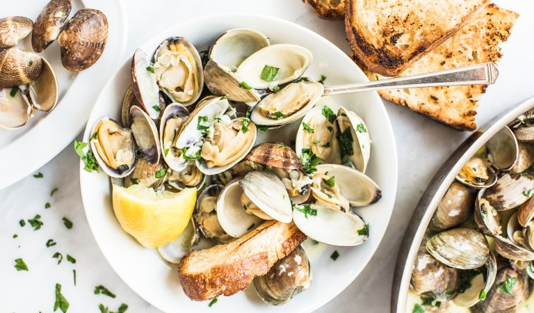 Cooking with Heinen's | Clams with White Wine Butter and Garlic