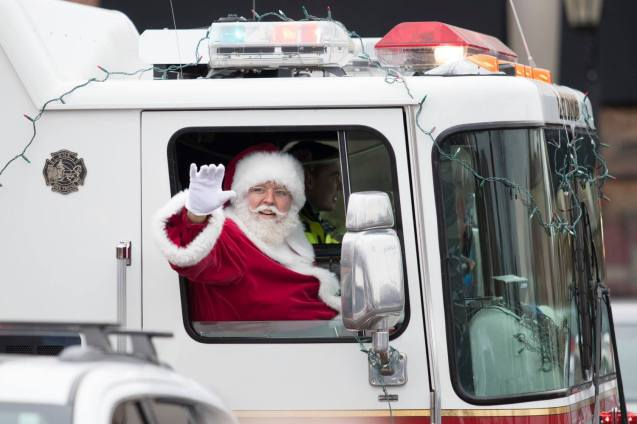 Santa Returns to Arboretum of South Barrington