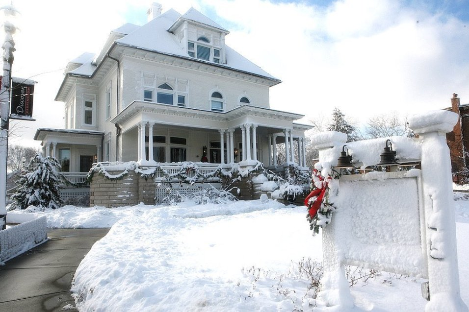 Barrington's White House in the Snow