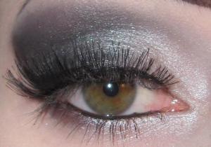 L'Oreal Infallible Eye Shadow Crayon With Additional Makeup