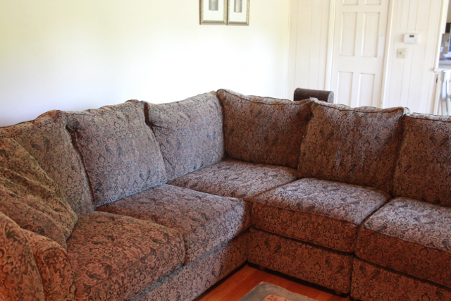sagggy sectional sofa corner