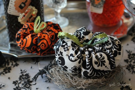 07 - The Girl Inspired - No Sew Printed Fabric Pumpkins