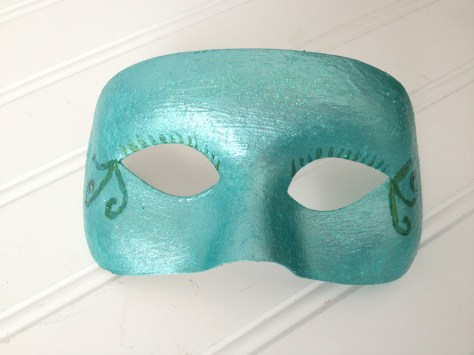 base coat mardi mask