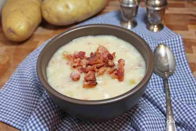 Easy Potato Bacon Soup | 365daysofeasyrecipes.com