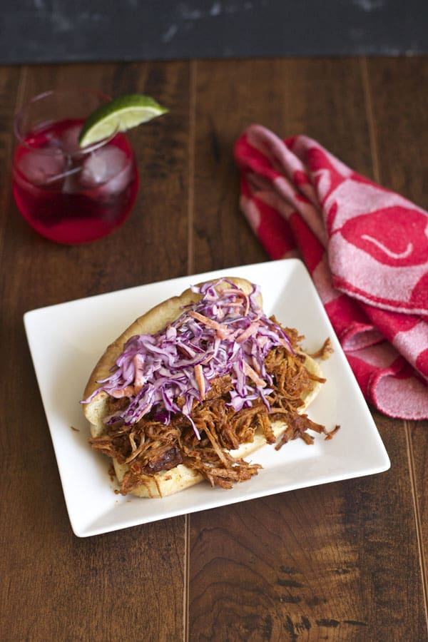 Super delicious slow cooked pulled pork sandwiches | 365 Days of Easy Recipes
