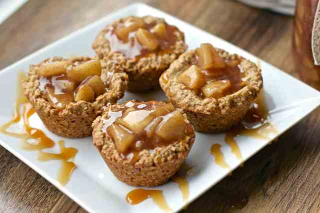 Easy Apple Crisp With Apple Pie Filling And Cake Mix