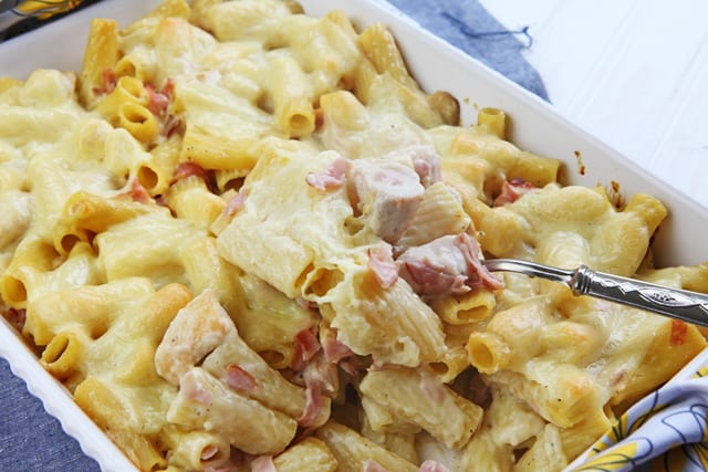 Chicken cordon bleu casserole - quick, easy and oh so delicious
