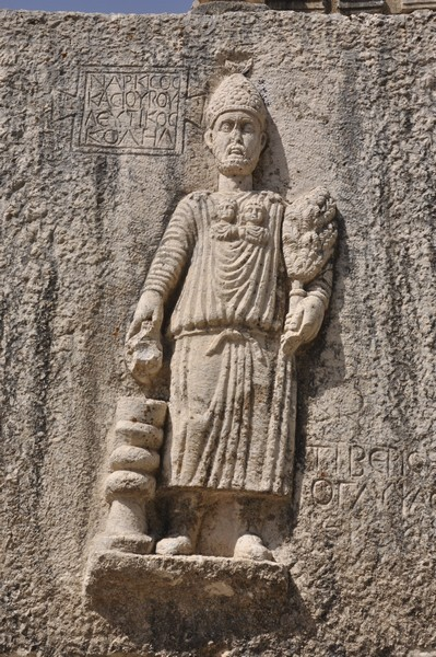 niha_great_temple_relief_narkisos1