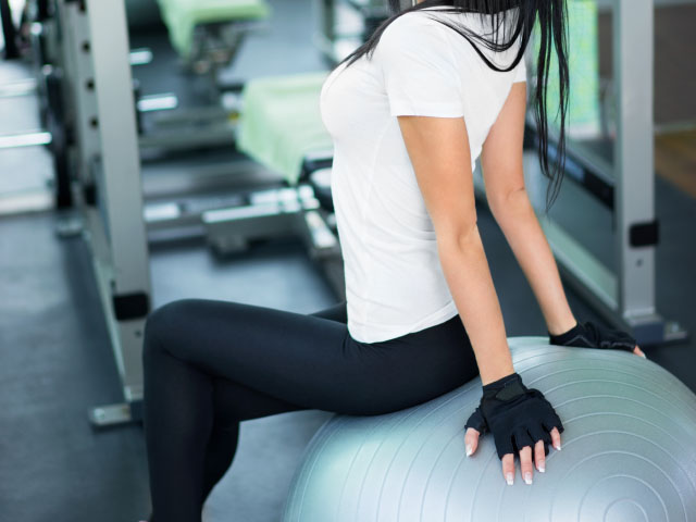 5-stability-ball-workouts-to-improve-your-inner-stability