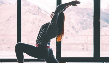 5-yoga-poses-to-help-you-get-into-the-splits-cover