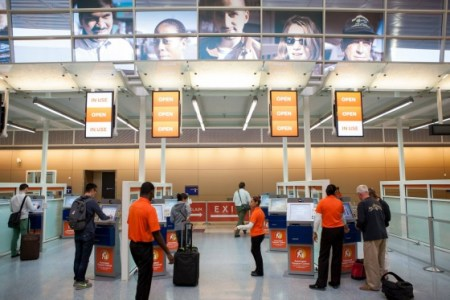 DFW_Airport_-_Customs_Technology_Image