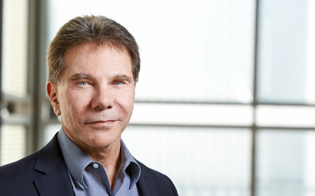 6-principles-of-persuasion-robert-cialdini-1-1080x675